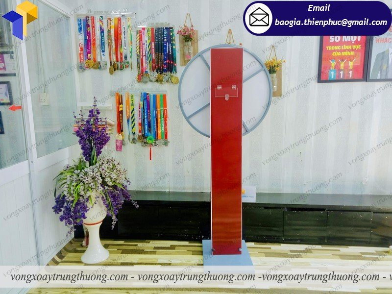 thiết kế vòng quay bảng trụ quảng cáo