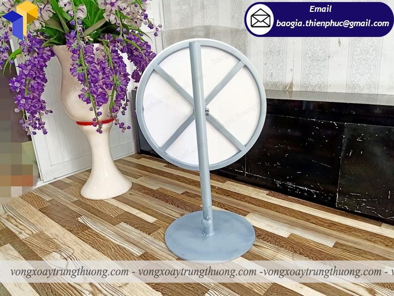 thiết kế vòng xoay để bàn